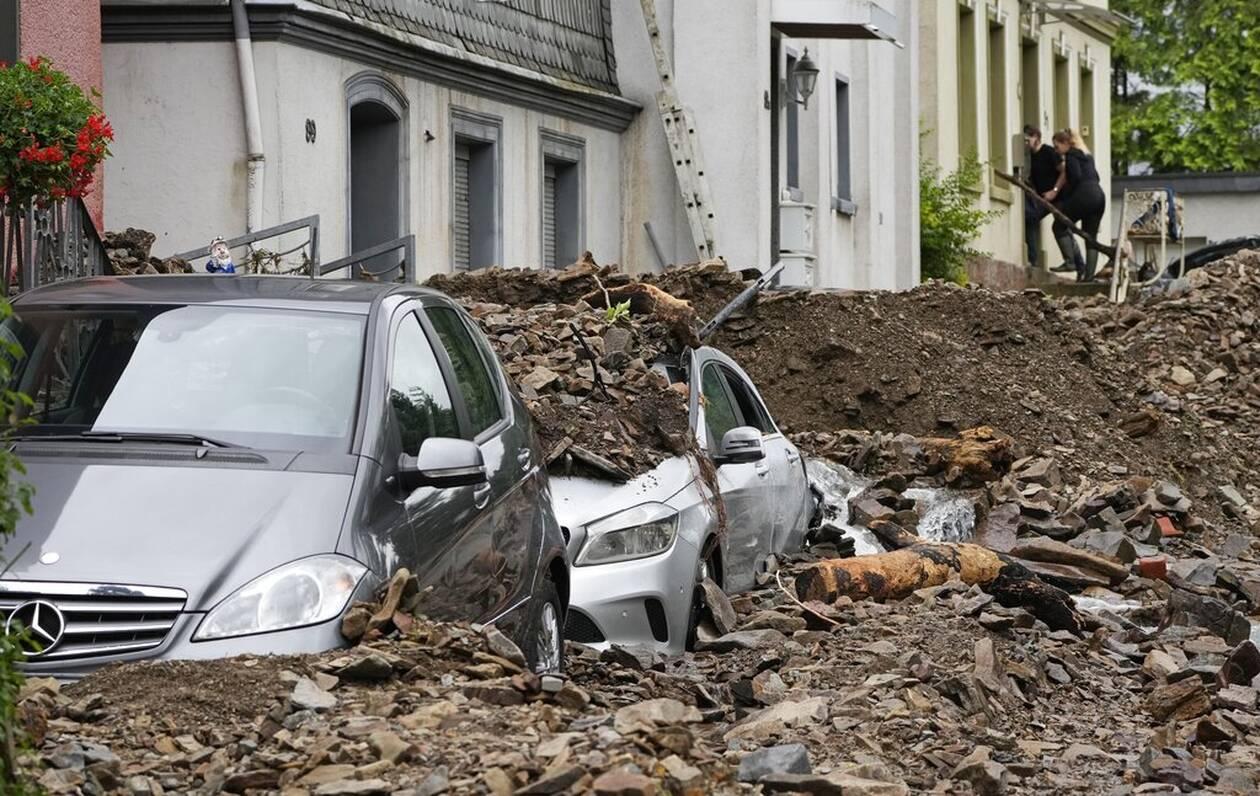 Στο έλεος των πλημμυρών η Γερμανία: 81 νεκροί, εκατοντάδες αγνοούμενοι -  Μέρκελ: Θα είμαστε μαζί σας - CNN.gr