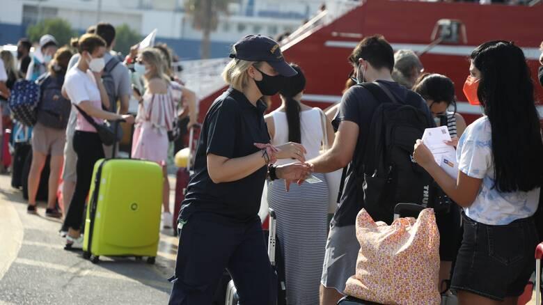 Μετάλλαξη Δέλτα: Με τεστ η επιστροφή από τα νησιά - Τι προβλέπει νέα ΚΥΑ