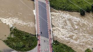 Συναγερμός στην Ολλανδία: Πλημμυρισμένα ποτάμια απειλούν κατοικημένες περιοχές