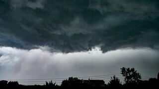 Καιρός: Με βροχές και καταιγίδες έρχεται η «ψυχρή λίμνη» την Κυριακή