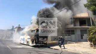 Χαϊδάρι: Φωτιά σε λεωφορείο στην Αθηνών - Κορίνθου