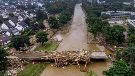«Εμπόλεμη ζώνη» από τις πλημμύρες η δυτική Ευρώπη - Αγώνας δρόμου για επιζώντες