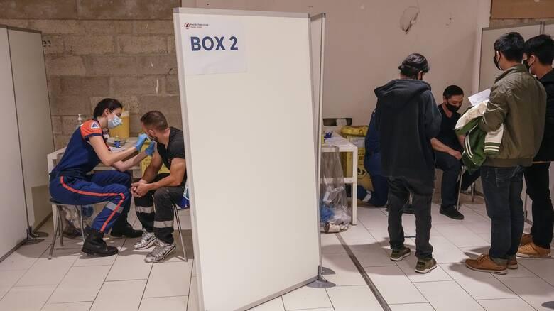 Κορωνοϊός: Ανησυχία στην ΕΕ για τις μεταλλάξεις - Μέτρα υπό το φόβο νέου κύματος της πανδημίας