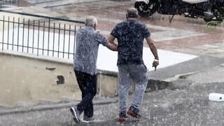 Ξεκίνησε από την Βόρεια Ελλάδα η κακοκαιρία - Σφοδρή χαλαζόπτωση