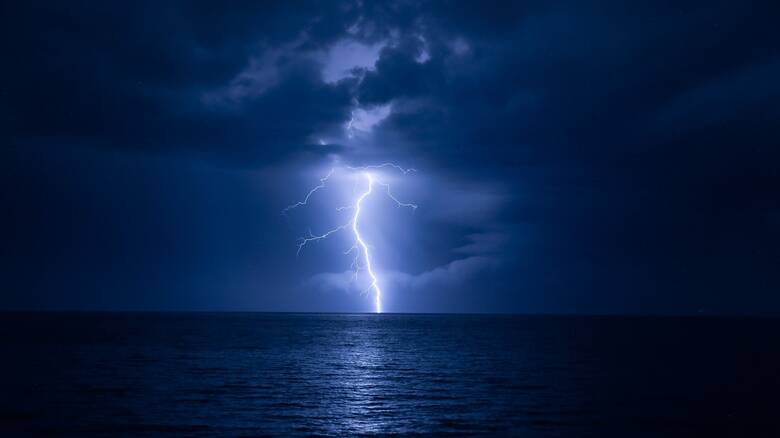 «Ψυχρή λίμνη»: Σαρώνει Βόρεια Ελλάδα και Θεσσαλία - Οδηγίες προστασίας