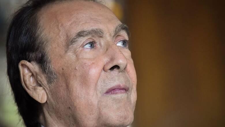 Τόλης Βοσκόπουλος: «Βαρύς ο πόνος και βουβός» - Το twitter αποχαιρετά τον «άρχοντα» του πενταγράμμου