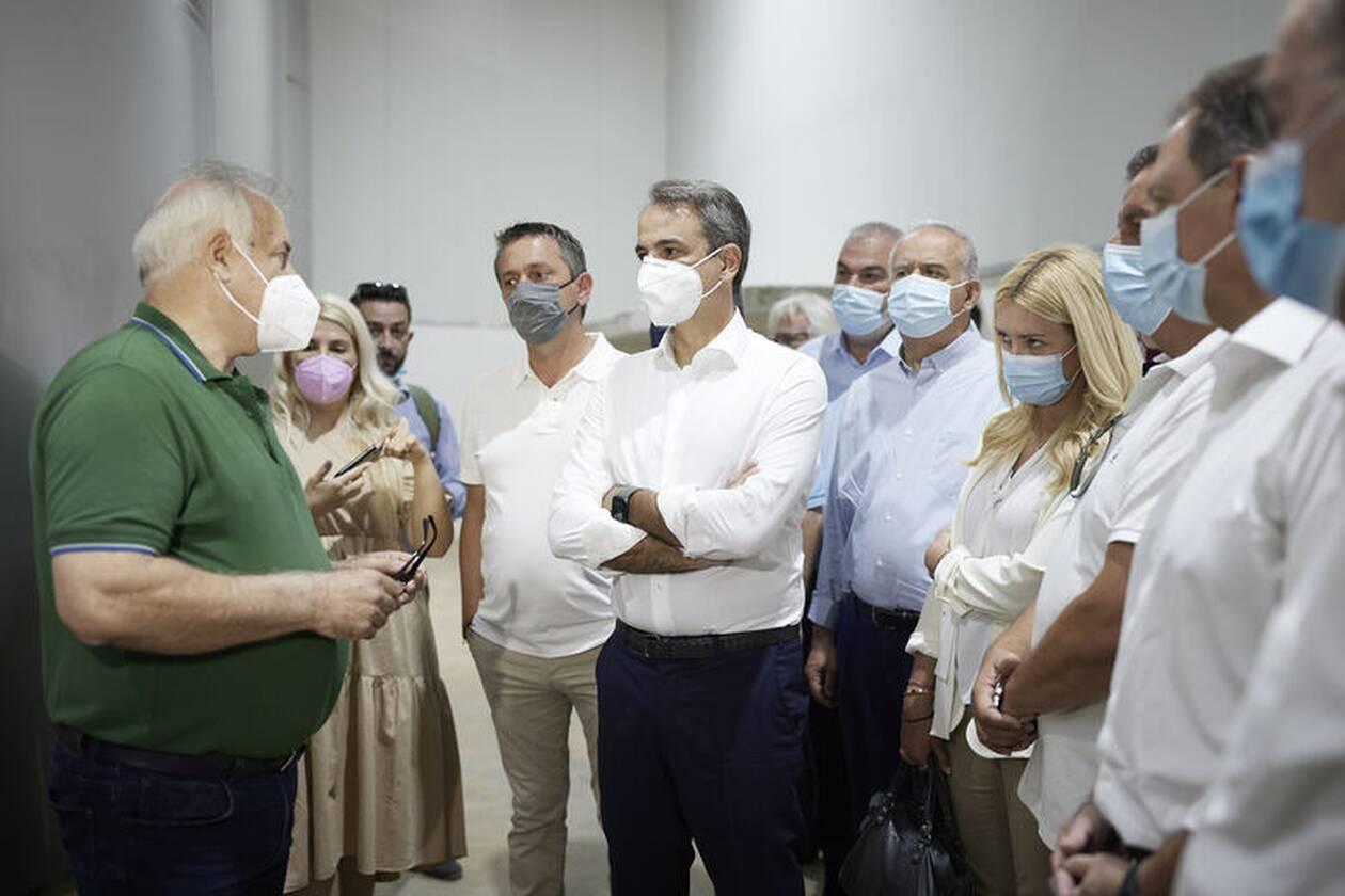 https://cdn.cnngreece.gr/media/news/2021/07/19/274686/photos/snapshot/mitsotakis-messinia-4.jpg