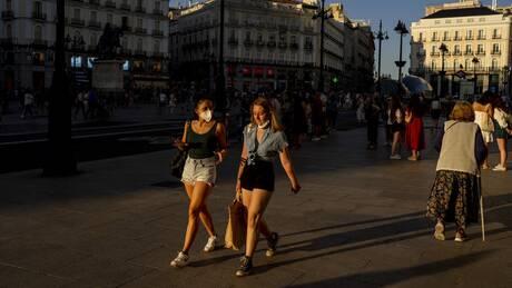 Γαλλία: Δεν μπορεί να αποκλειστεί η εκ νέου επιβολή απαγορεύσεων κυκλοφορίας