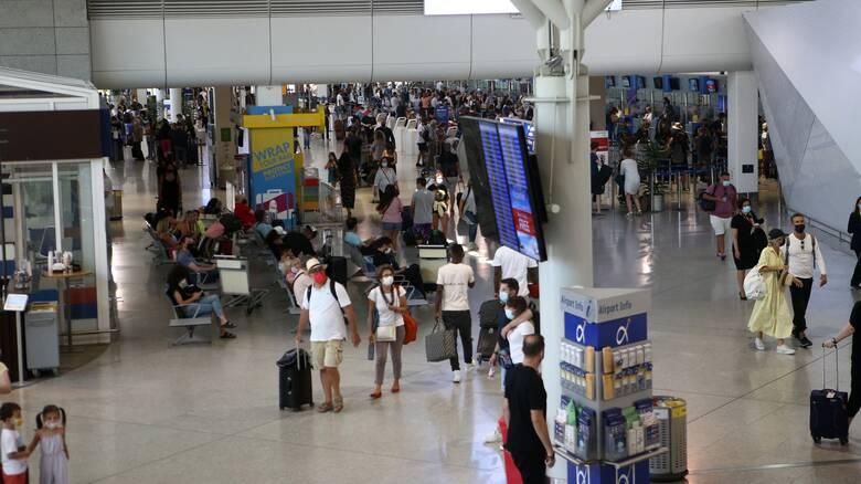 Στην Ελλάδα μέχρι σήμερα 2,3 εκατ. τουρίστες - Πρώτη η Γερμανία, έκπληξη η Πολωνία