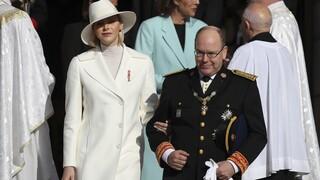 Η πριγκίπισσα Σαρλίν του Μονακό εξηγεί γιατί δεν μπορεί να επιστρέψει στην οικογένειά της