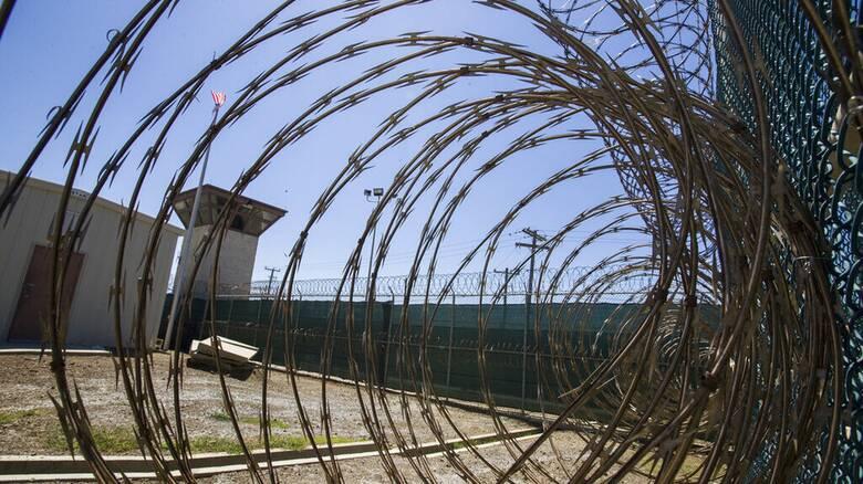 ΗΠΑ: Πρώτη μεταφορά κρατουμένου από το Γκουαντάναμο επί Μπάιντεν