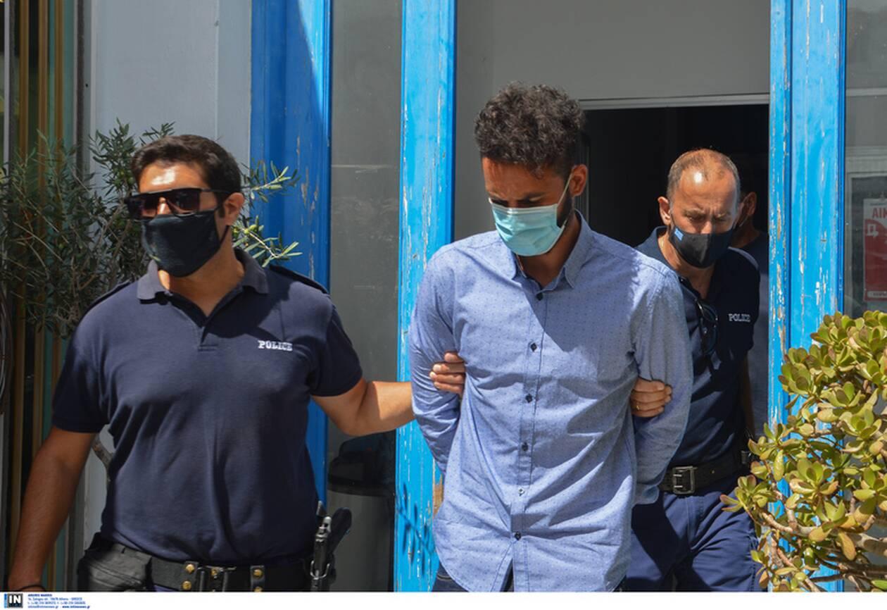 https://cdn.cnngreece.gr/media/news/2021/07/20/274833/photos/snapshot/folegandros-5.jpg