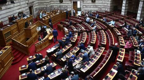 Άγρια κόντρα για την ελάχιστη βάση εισαγωγής - Τσίπρας προς Κεραμέως: «Έρχεστε ως άλλος Ηρώδης»