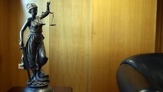 Εύσημα και συστάσεις από την Κομισιόν για το Κράτος Δικαίου στην Ελλάδα