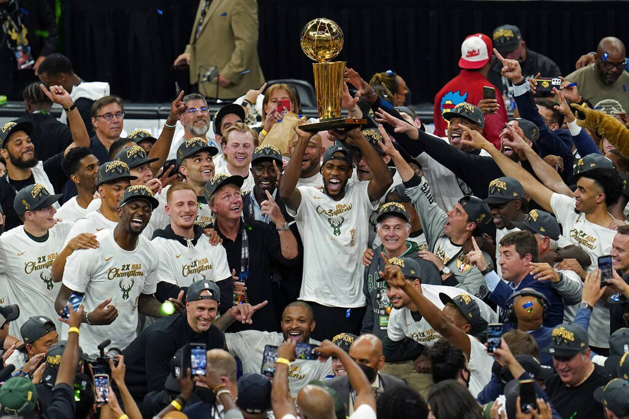 https://cdn.cnngreece.gr/media/news/2021/07/21/274915/photos/snapshot/MPAKS-NBA-TELIKOS-1.jpg