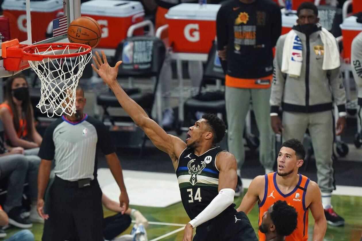https://cdn.cnngreece.gr/media/news/2021/07/21/274915/photos/snapshot/MPAKS-NBA-TELIKOS-4.jpg