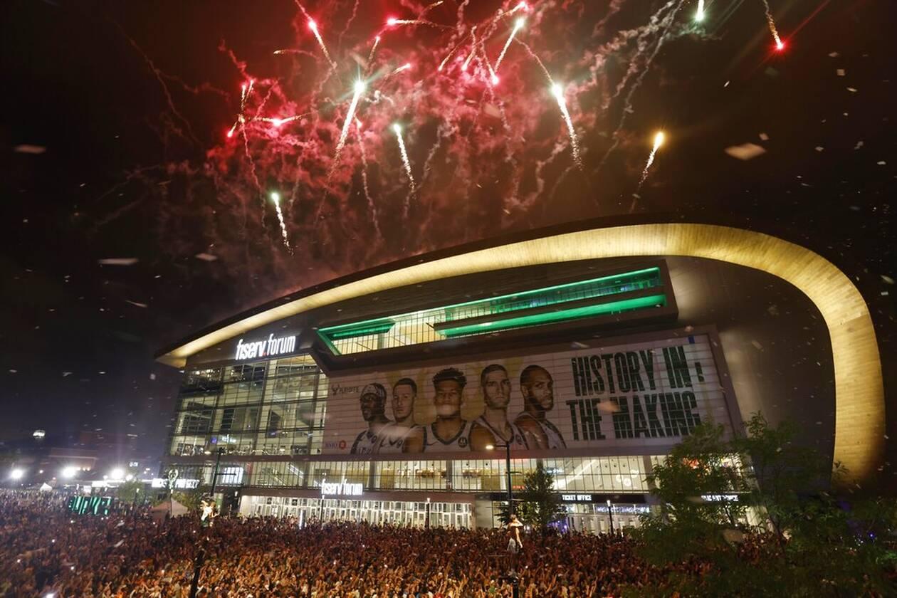 https://cdn.cnngreece.gr/media/news/2021/07/21/274927/photos/snapshot/MPAKS-NBA-TELIKOS-2.jpg
