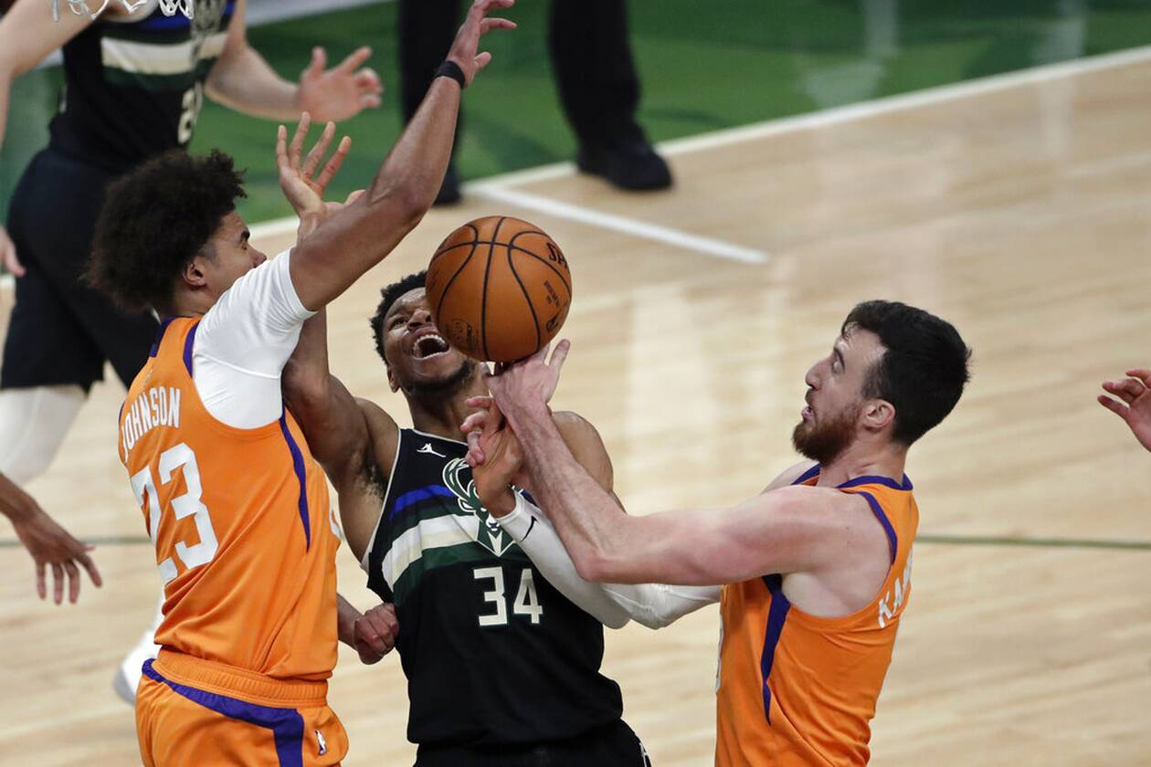 https://cdn.cnngreece.gr/media/news/2021/07/21/274927/photos/snapshot/MPAKS-NBA-TELIKOS-8.jpg