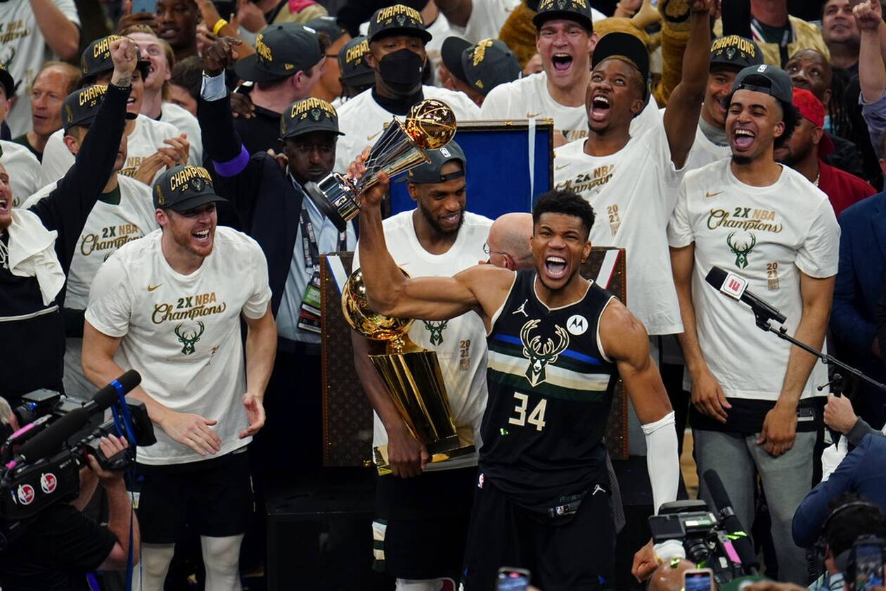 https://cdn.cnngreece.gr/media/news/2021/07/21/274947/photos/snapshot/MPAKS-NBA-TELIKOS-13.jpg