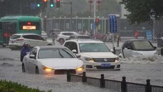 Κίνα: Στους 16 οι νεκροί από τις πλημμύρες - Σπαρακτικές εκκλήσεις εγκλωβισμένων πριν παρασυρθούν