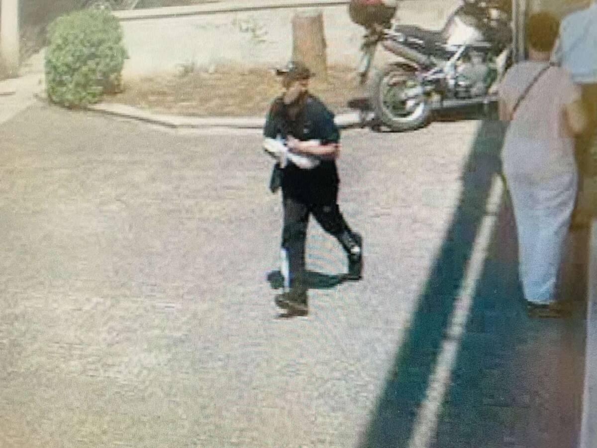 Καρέ καρέ η ένοπλη ληστεία τράπεζας στο κέντρο της Αθήνας, στα χέρια της ΕΛ. ΑΣ. οι δράστες - CNN.gr