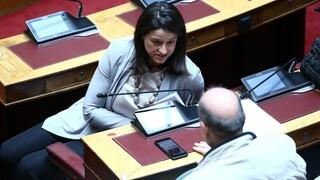 Άγριος καυγάς Κεραμέως - Φίλη στη Βουλή με αφορμή την Ελάχιστη Βάση Εισαγωγής