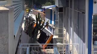 Ιταλία: Λεωφορείο έπεσε σε χαράδρα στο Κάπρι – Νεκρός ο οδηγός, 19 τραυματίες