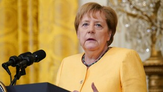Μέρκελ: «Χαϊδεύει» την Τουρκία για το προσφυγικό, αλλά δεν την «βλέπει» στην ΕΕ