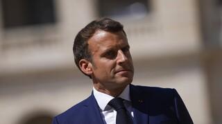 Γαλλία: Αλλαγή τηλεφώνου από τον Μακρόν μετά τις αποκαλύψεις για την υπόθεση Pegasus