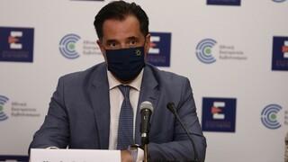 Γεωργιάδης: Πιθανό να απαγορευτεί η είσοδος των ανεμβολίαστων σε καταστήματα