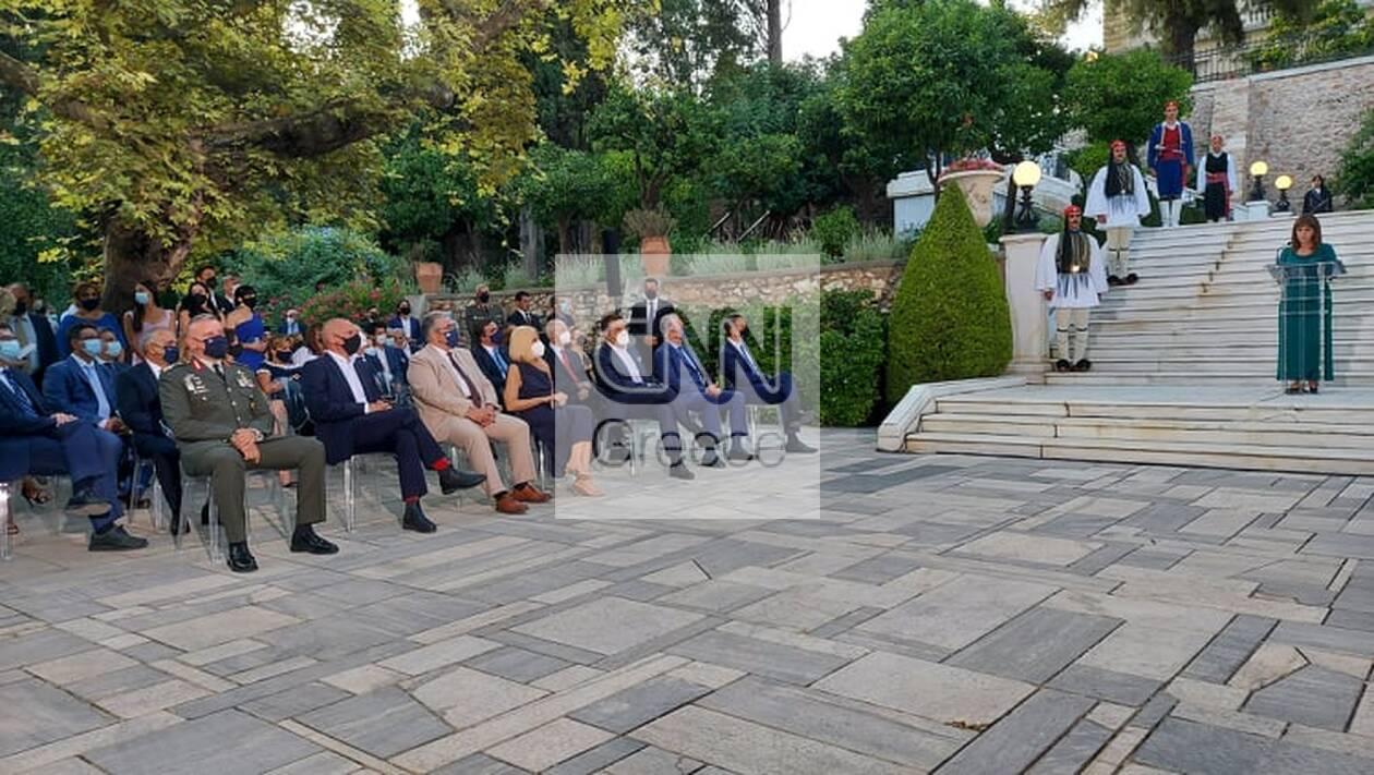 https://cdn.cnngreece.gr/media/news/2021/07/24/275436/photos/snapshot/proedriko-deksiosi-1.jpg