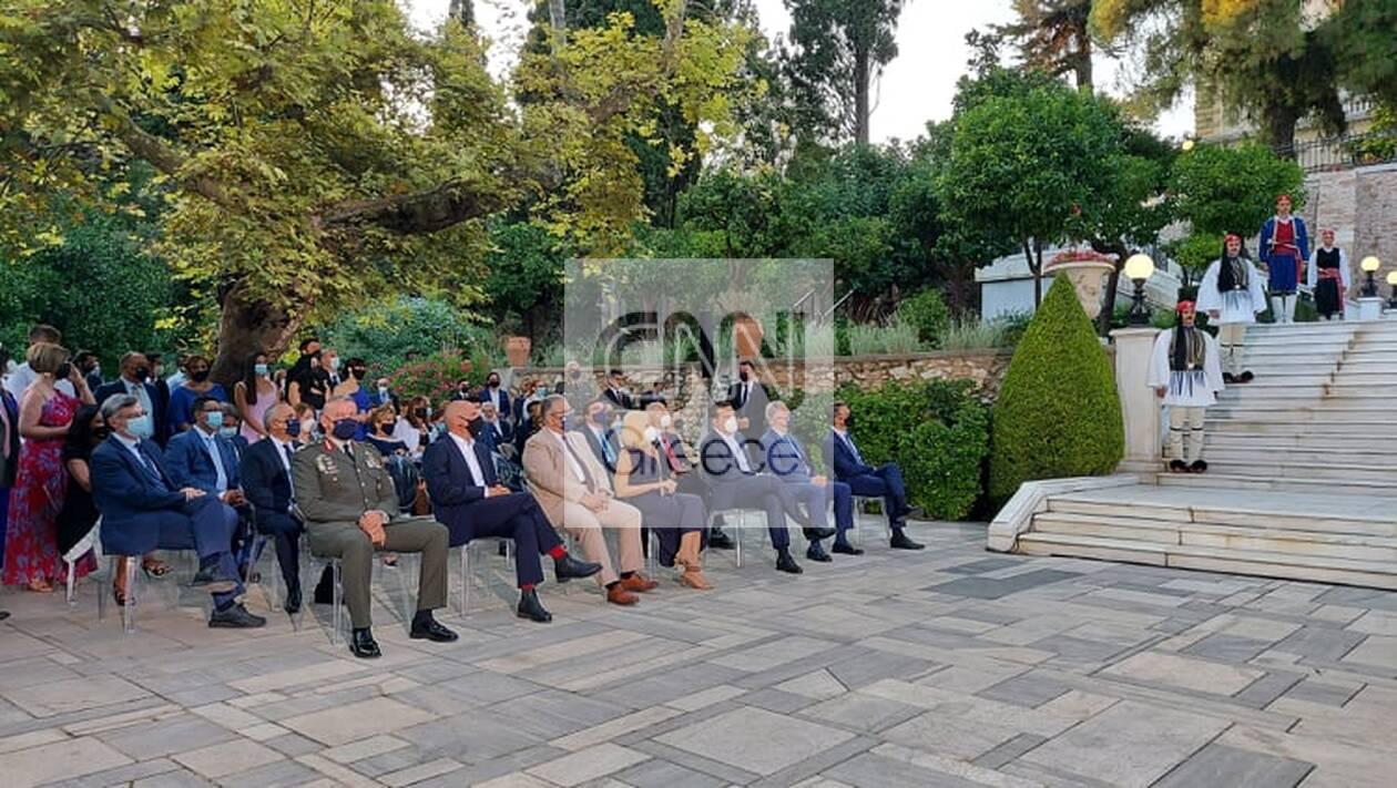 https://cdn.cnngreece.gr/media/news/2021/07/24/275436/photos/snapshot/proedriko-deksiosi-7.jpg