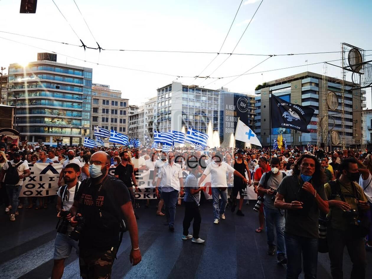 https://cdn.cnngreece.gr/media/news/2021/07/25/275487/photos/snapshot/syntagma-antiemvoliastes-1.jpg