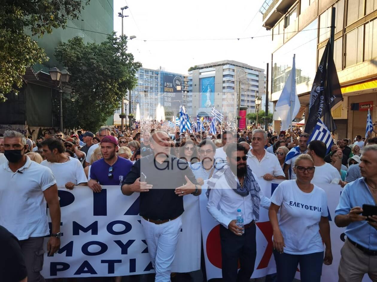 https://cdn.cnngreece.gr/media/news/2021/07/25/275487/photos/snapshot/syntagma-antiemvoliastes.jpg
