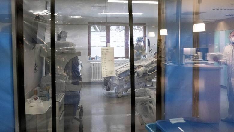 Κορωνοϊός: Κατέληξε γυναίκα 31 ετών στο Θριάσιο - Δεν είχε εμβολιαστεί