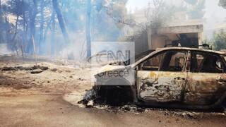 Φωτιά στη Σταμάτα: Οι φλόγες στα σπίτια, κάηκαν αυτοκίνητα - Εφιαλτικές στιγμές στη Ροδόπολη