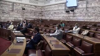 Βουλή: Σε κλίμα έντασης ξεκίνησε η συζήτηση του νομοσχεδίου για τις επικουρικές συντάξεις