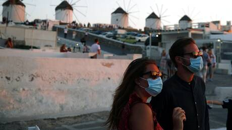 Ο κορωνοϊός στα νησιά και οι τουρίστες χωρίς μάσκες