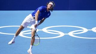 Ολυμπιακοί Αγώνες Τόκιο: Τραυματίστηκε ο Στέφανος Τσιτσιπάς αλλά συνεχίζει τον αγώνα