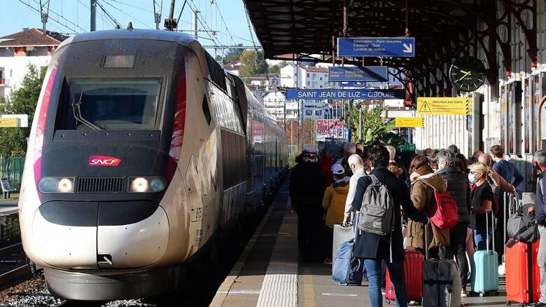 Γαλλία: Σε ισχύ προσεχώς το υγειονομικό πιστοποιητικό στις μεταφορές