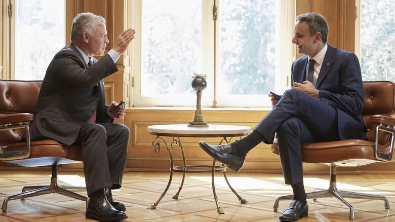 Συνάντηση Μητσοτάκη - Βασιλιά Αμπντάλα: «Ψηλά» στην ατζέντα οι σχέσεις Ελλάδας - Ιορδανίας