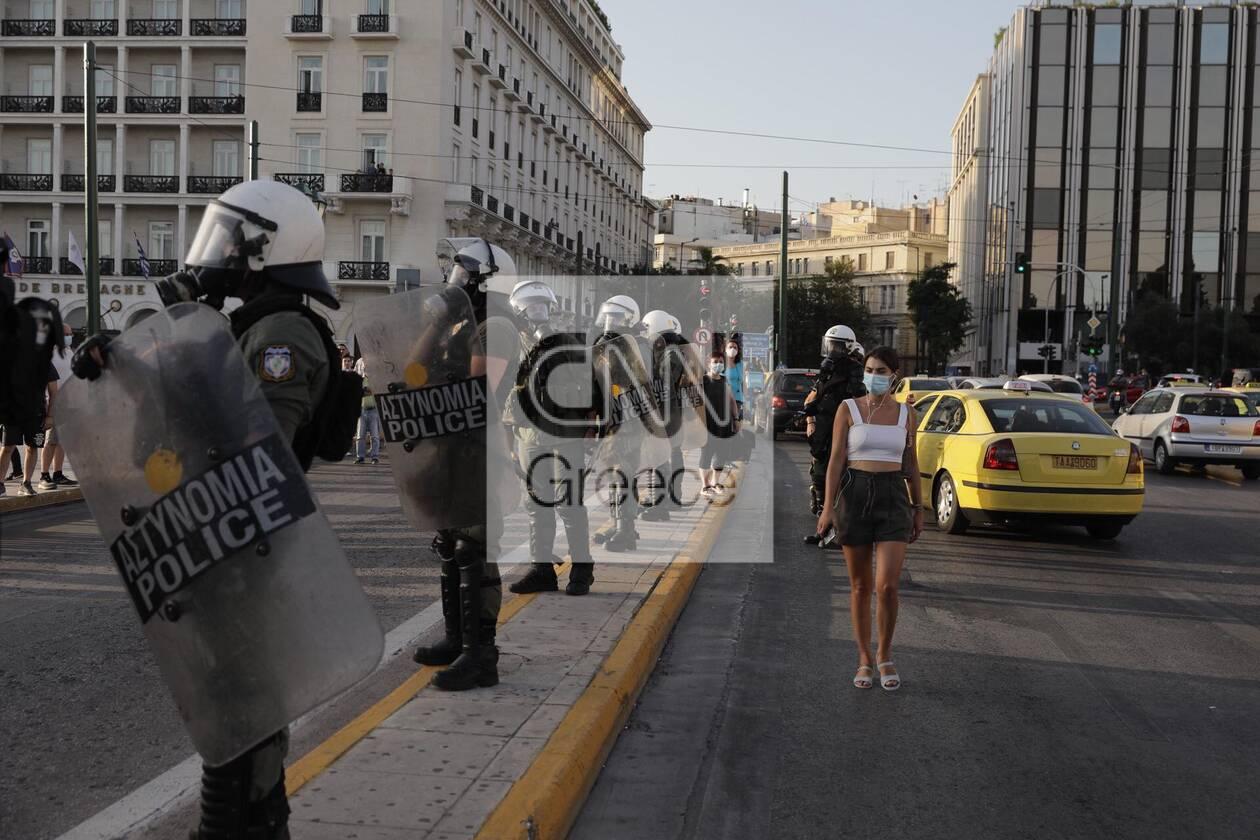 https://cdn.cnngreece.gr/media/news/2021/07/28/275962/photos/snapshot/syntagma-4.jpg