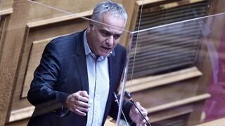 Βουλή - Επίθεση Σκουρλέτη κατά κυβέρνησης: Δεν πείθει το αφήγημα για την ελάχιστη βάση εισαγωγής