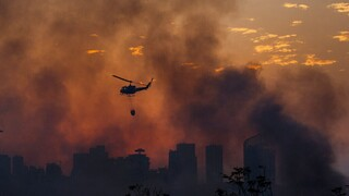 Καταστροφικές πυρκαγιές στο Βόρειο Λίβανο - Νεκρός ένας πυροσβέστης