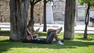 Καιρός: «Καμίνι» η Ελλάδα την Παρασκευή: Στους 44 βαθμούς το θερμόμετρο
