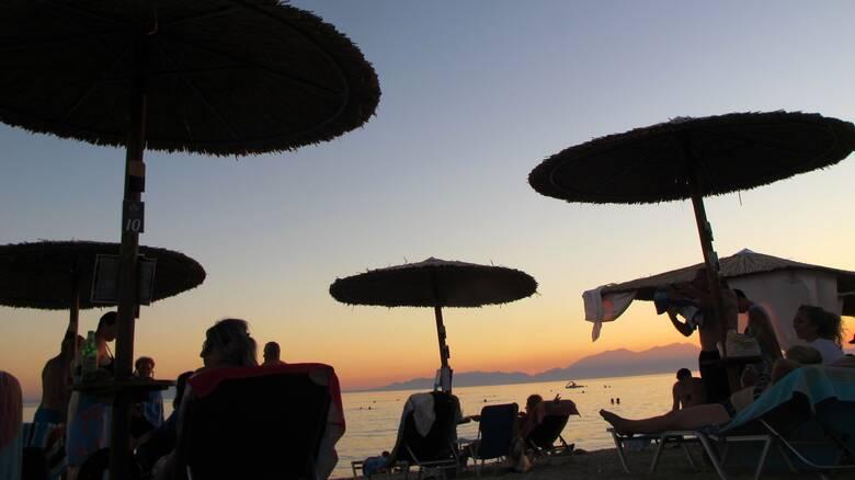 Καύσωνας: Δωρεάν είσοδος σε οργανωμένες παραλίες σε Βούλα και Βουλιαγμένη