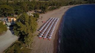 Καύσωνας: Σε ποιες παραλίες είναι δωρεάν η είσοδος