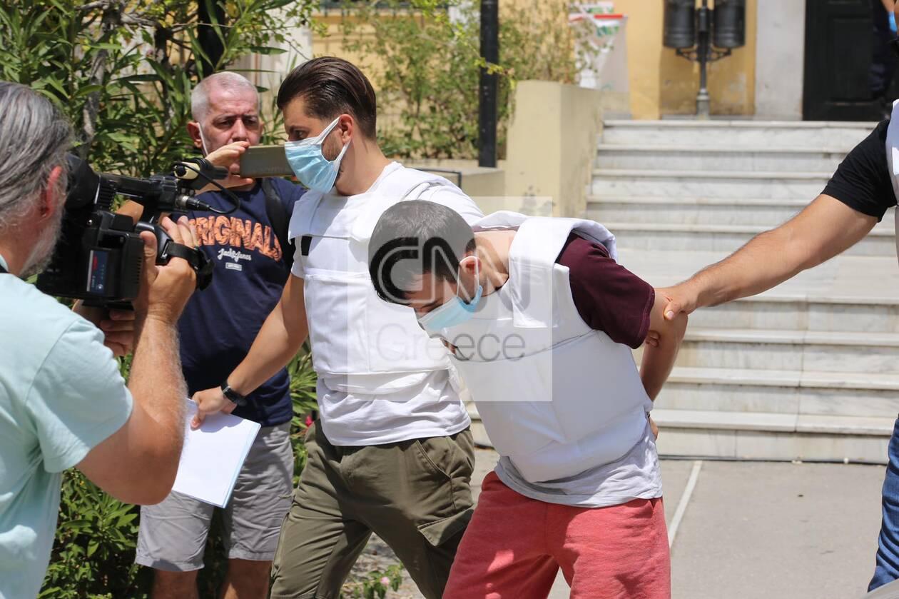 https://cdn.cnngreece.gr/media/news/2021/07/31/276292/photos/snapshot/syzygoktonos-dafni.jpg