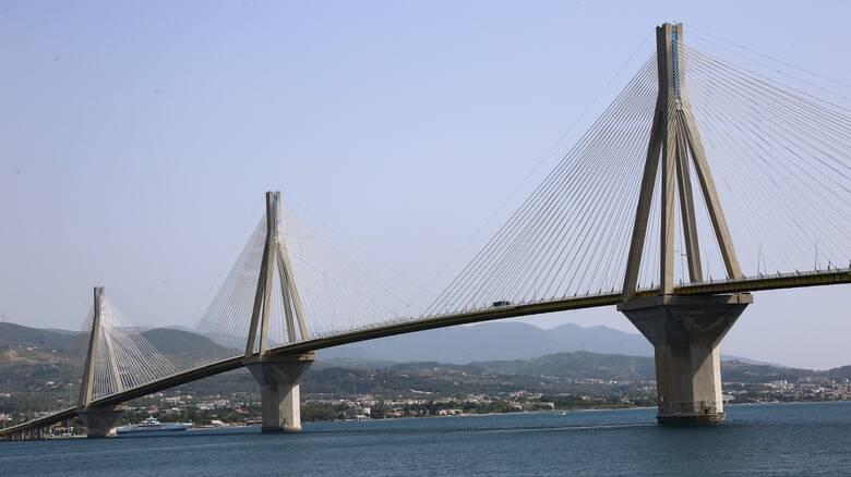 Φωτιά στην Αχαΐα: Διεκόπη η κυκλοφορία στη γέφυρα Ρίου - Αντιρρίου