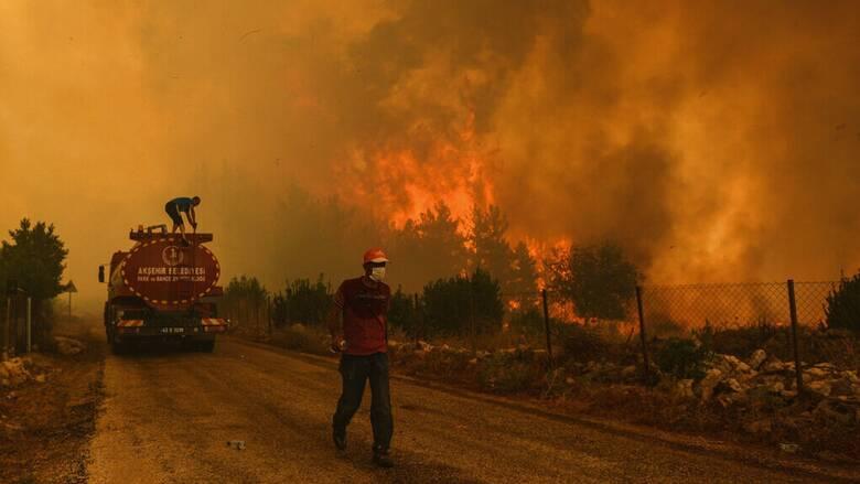 Τουρκία: Για πέμπτη μέρα μαίνονται οι πυρκαγιές - Αυξάνονται οι νεκροί